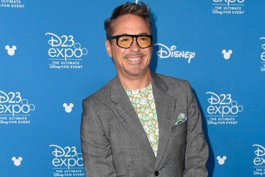 小勞勃道尼 (Robert Downey Jr.) 得到「迪士尼傳奇」的榮耀。