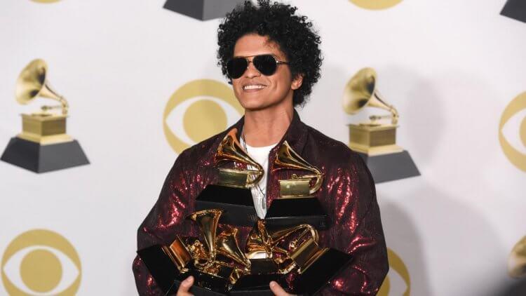 火星人布魯諾 (Bruno Mars) 以專輯《24K Magic》橫掃第 60 屆葛萊美,獲得七項大獎