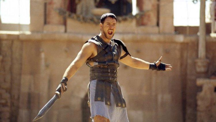 羅素克羅主演,2000 年的史詩電影《神鬼戰士》續集計畫依然進行中,監製表示續集故事將接續首集 25~30 年後說起。