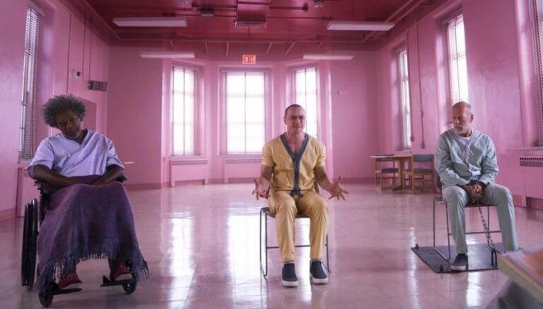 《異裂》中,山繆傑克森、詹姆斯麥艾維、布魯斯威利所分別飾演,擁有不凡能力的三位主要角色。