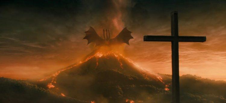 《哥吉拉 Ⅱ:怪獸之王》中的王者基多拉與哥吉拉等泰坦巨獸壯闊對決令粉絲看的激動不已。
