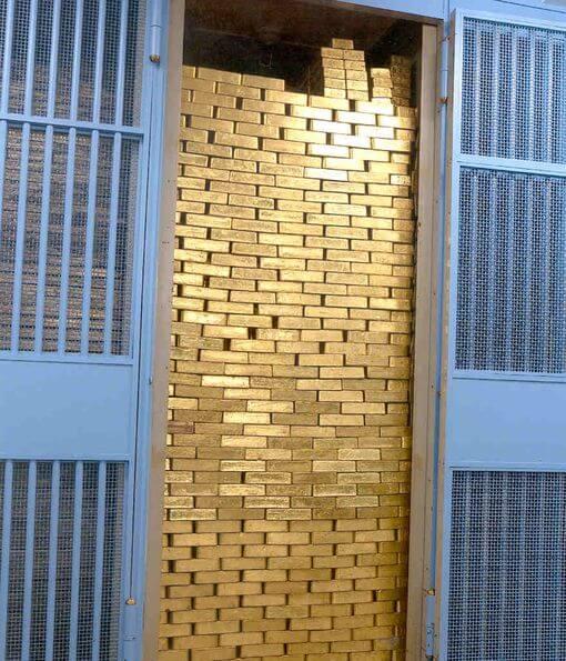 銀行金庫鐵門。