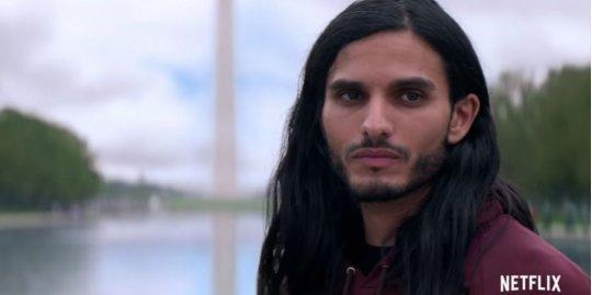由麥赫迪戴比 (Mehdi Dehbi) 飾演極具個人魅力「救世主」的 Netflix 影集《彌賽亞》(Messiah) 引爆宗教爭議!
