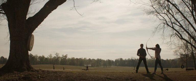 《復仇者聯盟:終局之戰》全新完整預告片段中,「鷹眼」克林特正在教導一位女孩射箭技術......