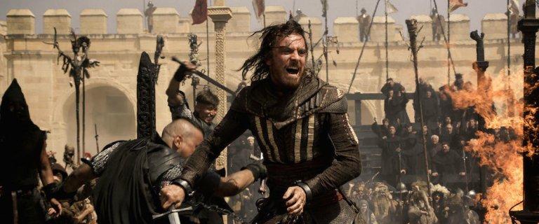 麥可法斯賓達 (Michael Fassbender) 主演的《刺客教條》(Assassin's Creed) 。