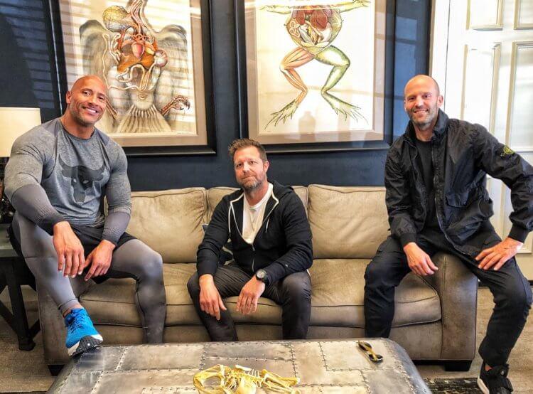 《玩命關頭:特別行動》導演大衛雷奇與兩位主演巨石強森以及傑森史塔森。