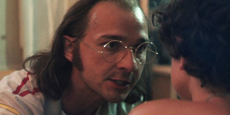 西亞李畢福在《我的寶貝男孩》中飾演他的父親。