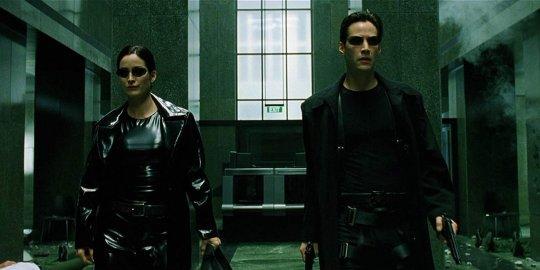 基努李維 (Keanu Reeves) 主演的《駭客任務》成為經典