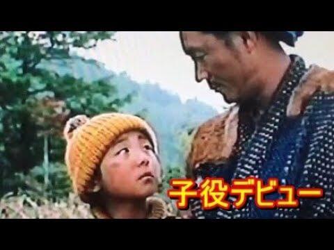 以童星身分演出電影《ほしをつぐもの》的高橋一生劇照。