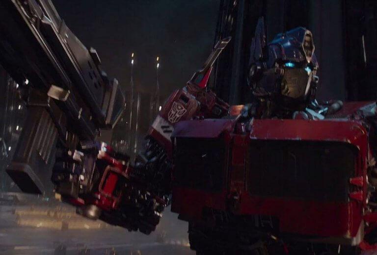 《變形金剛》系列中的人氣角色,紅藍相間的博派的最高指揮官:柯博文。