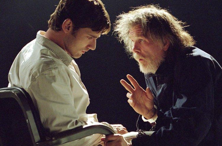2003 年李安執導的《綠巨人浩客》有別於光明正義的超級英雄電影,是一部灰暗調性的作品。