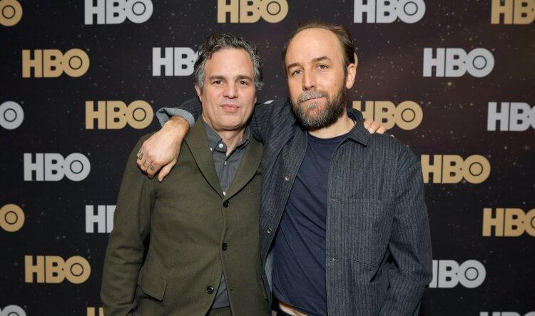 HBO 迷你影集《I Know This Much Is True》導演德瑞克席安佛蘭斯 (Derek Cianfrance) 擅長處理愛情與親情間的細膩感情。
