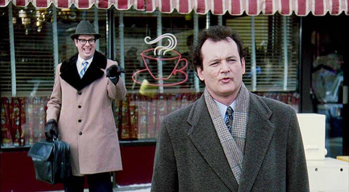 《今天暫時停止》比爾莫瑞與史蒂芬托波羅斯基分別飾演菲爾康納、奈德萊爾森。