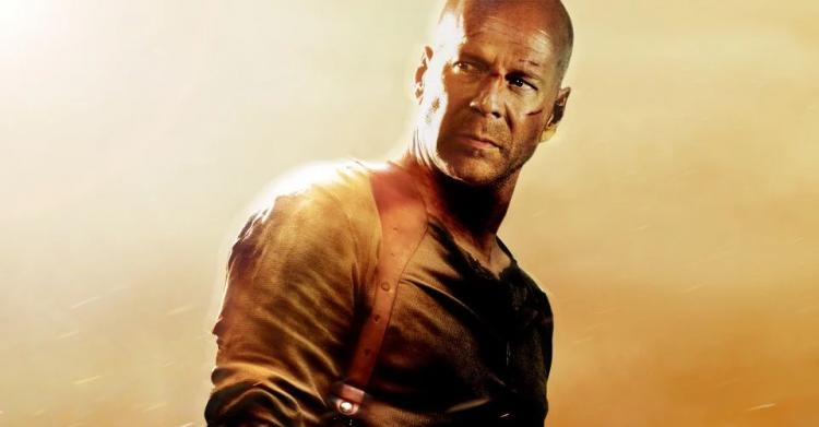 《終極警探》由布魯斯威利主演。