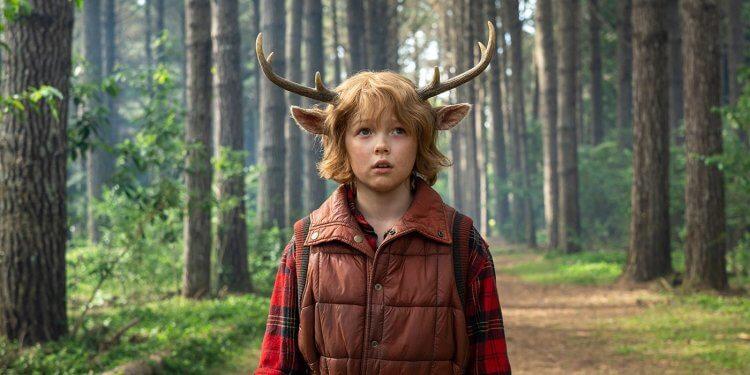 Netflix 影集《Sweet Tooth:鹿角男孩》劇照。