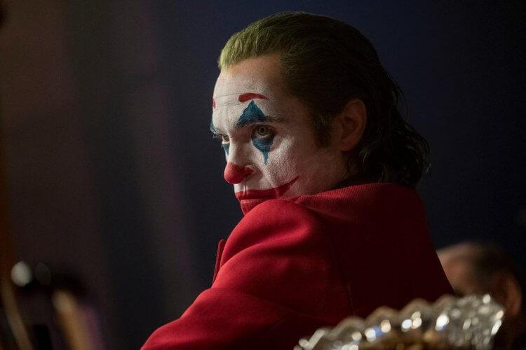 陶德菲利普斯執導、瓦昆菲尼克斯主演的《小丑》在威尼斯影展榮獲最高榮譽金獅獎。