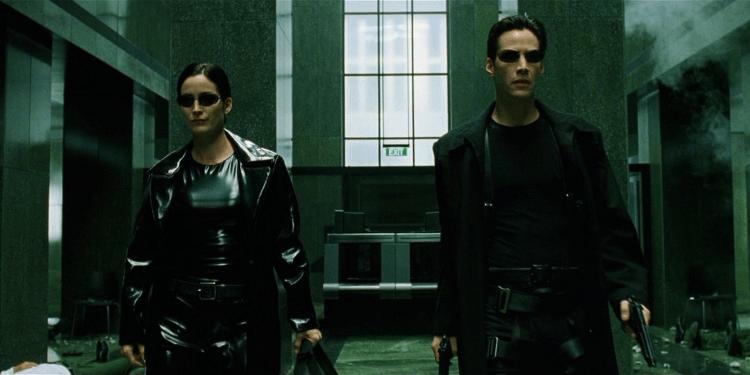 《駭客任務》系列兩位主演——「崔妮蒂」凱莉安摩絲、「尼歐」基努李維,都將回歸至《駭客任務 4》。