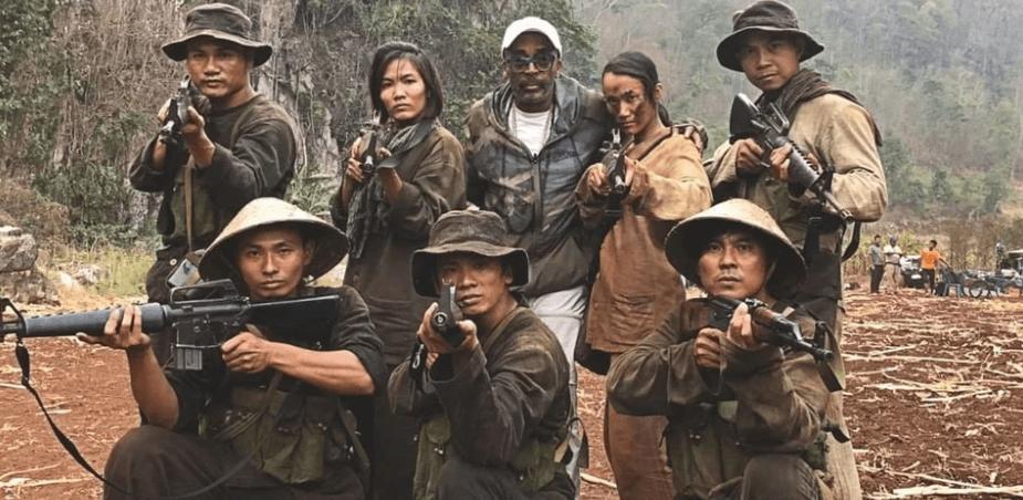 Netflix《誓血五人組》電影劇照。