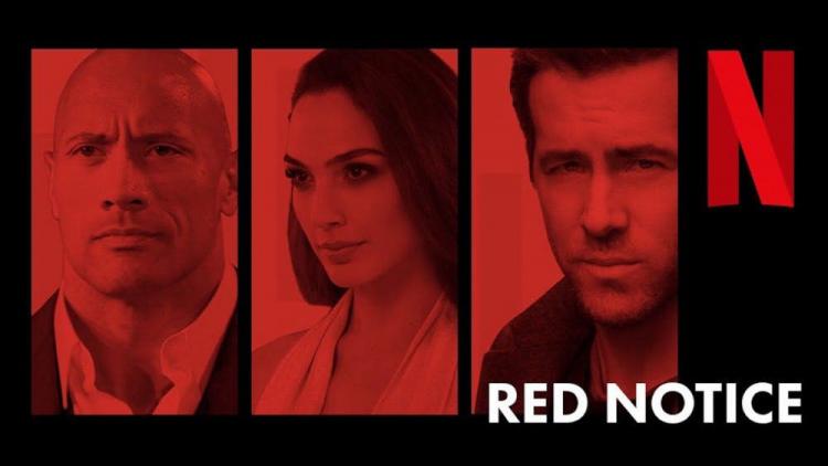 Netflix 《紅色追緝令》由巨石強森、萊恩雷諾斯以及蓋兒加朵共同主演。