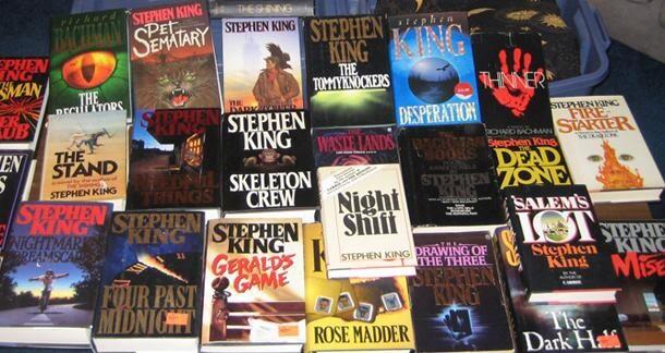 史蒂芬金出版的小說們。