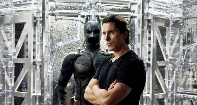 克里斯汀貝爾演出電影《黑暗騎士》蝙蝠俠一角。