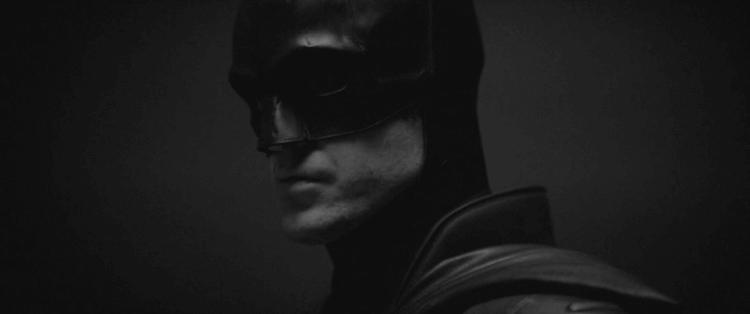 將在麥特李維斯披上蝙蝠俠披風的羅伯派汀森。