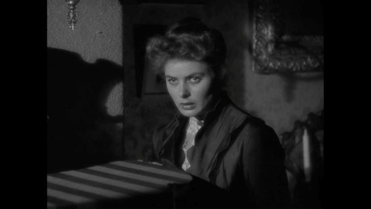 伊麗莎白摩斯在《隱形人》中受到的精神虐待,與《煤氣燈下》電影版的英格麗褒曼有些神似。
