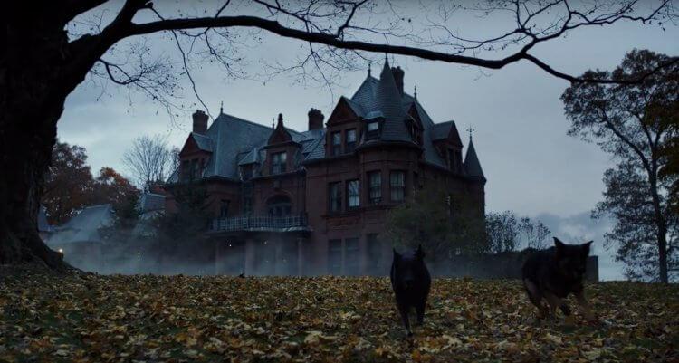 雷恩強森執導的《鋒迴路轉》,處處可見對作家阿嘉莎克莉絲蒂的致敬。