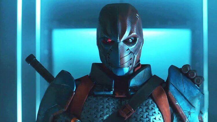 伊沙摩路斯在《泰坦》中飾演「喪鐘」。