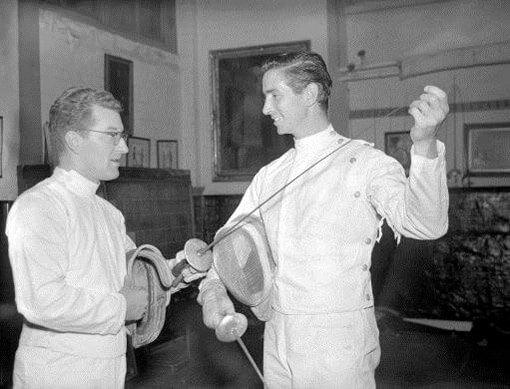 曾經的奧運擊劍金牌,日後的好萊塢劍神鮑勃安德森。