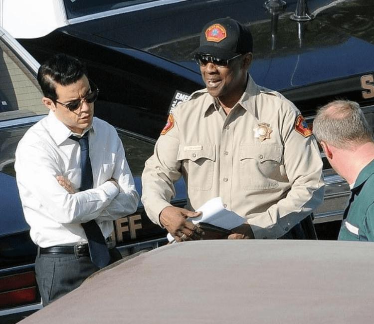 丹佐華盛頓、雷米馬利克刑偵電影《小事》片場側拍照。