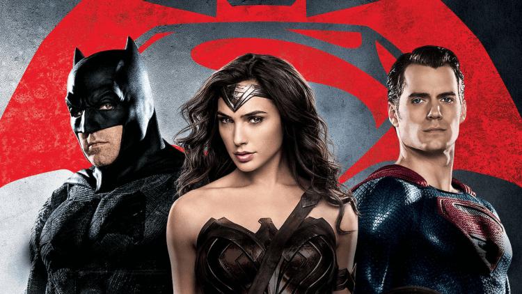 DCEU 中的蝙蝠俠、神力女超人及超人。