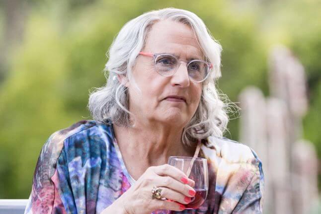 資深影星傑夫泰爾曾於 Amazon 影集《透明家庭》挑戰跨性別角色。