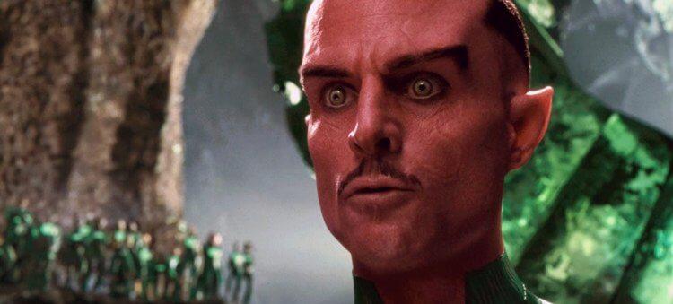 《綠光戰警》馬克史壯。