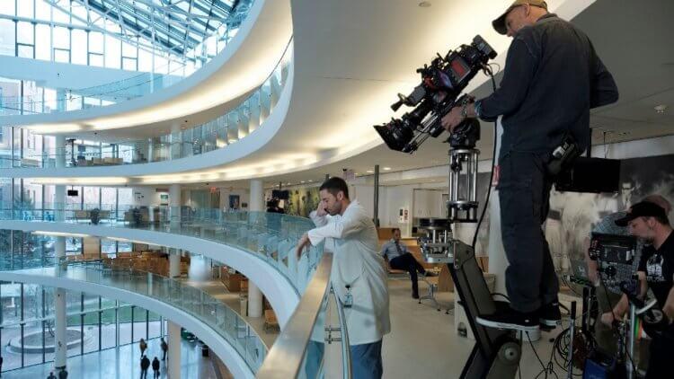 《紐約新醫革命》的新阿姆斯特丹醫院取材自現實的紐約貝爾維尤醫院,並在此進行實景拍攝。