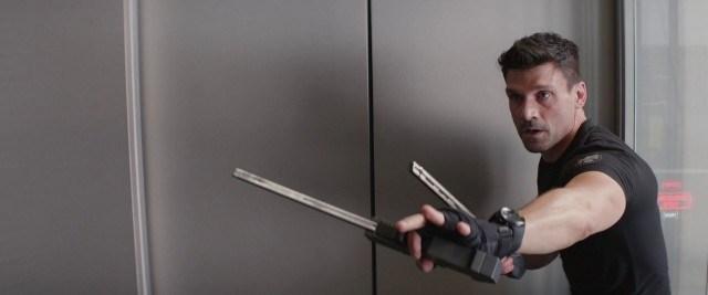 法蘭克葛里洛曾在《美國隊長 2:酷寒戰士》中扮演十字骨。