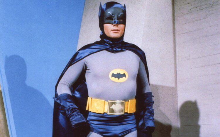 電視劇《蝙蝠俠》裡的亞當威斯特。
