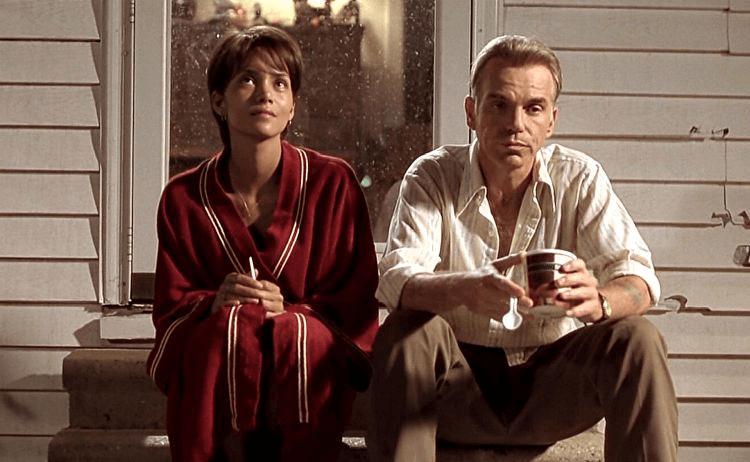 荷莉貝瑞憑藉《擁抱豔陽天》奪得奧斯卡影后,演員酬勞也因而水漲船高。