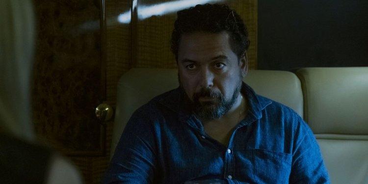 Netflix 影集《黑錢勝地》中,由菲力克斯索利斯飾演的毒梟歐馬納瓦洛。