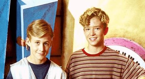 13 歲至 15 歲的雷恩葛斯林曾在迪士尼節目《米老鼠俱樂部》與賈斯汀和小甜甜布蘭妮一起演出。