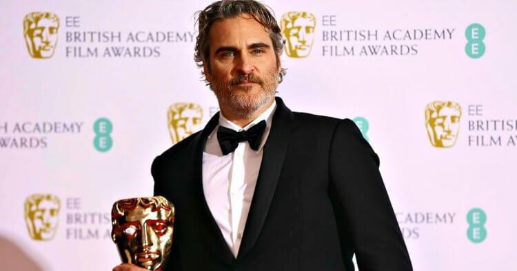 《小丑》瓦昆菲尼克斯眾望所歸拿下最佳男主角獎。