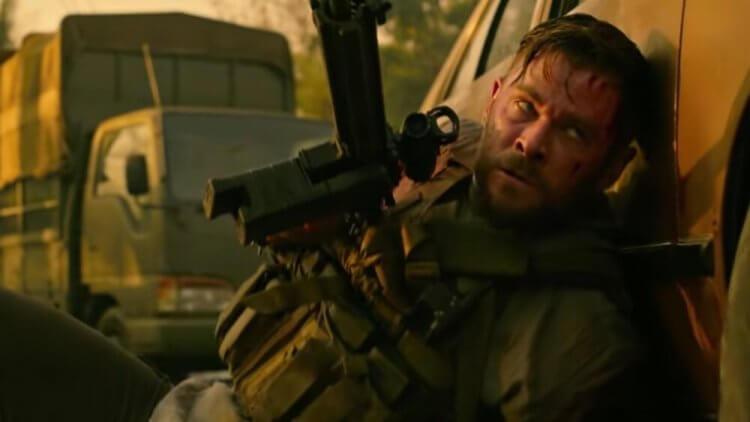 《驚天營救》集結了許多漫威電影的幕後工作人員,除了主演的「雷神」克里斯漢斯沃,編劇則是《終局之戰》的導演之一喬羅素。
