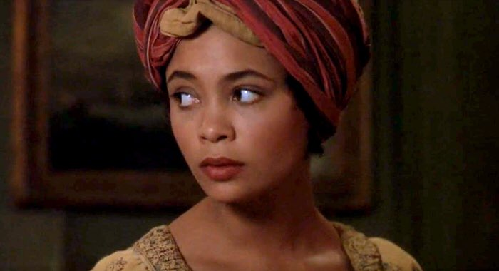 演出《夜訪吸血鬼》時的好萊塢黑人女性演員譚蒂紐頓。
