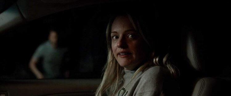 新版《隱形人》由伊莉莎白摩斯主演。