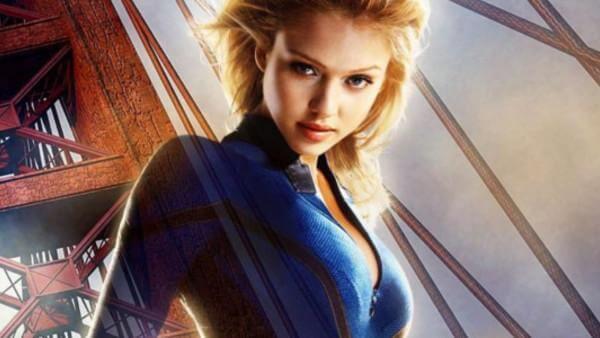 潔西卡艾芭曾於 2005 年推出的《驚奇 4 超人》飾演「隱形女」蘇史東。