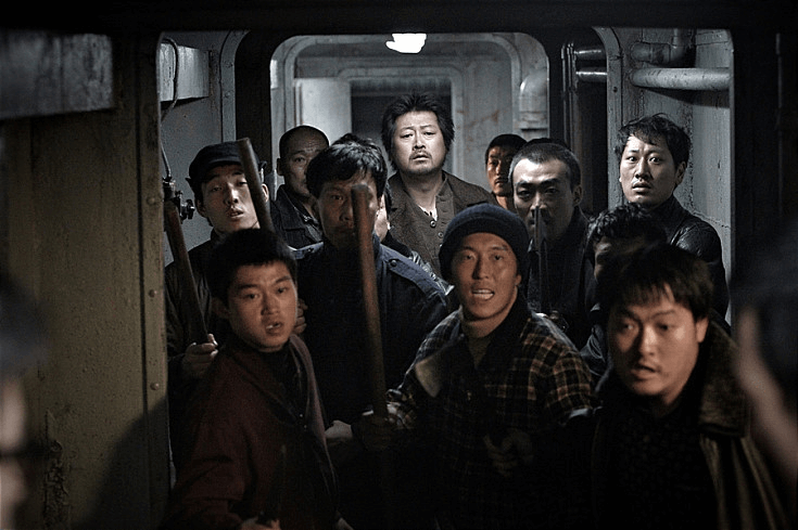 南韓導演羅泓軫執導的《黃海追緝》。