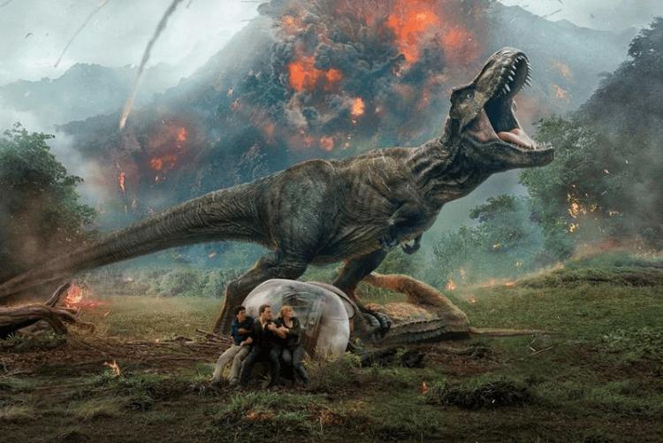 柯林崔佛洛執導《侏羅紀公園》的重啟版《侏羅紀世界》系列,也許可見與《西方極樂園》相關的彩蛋。
