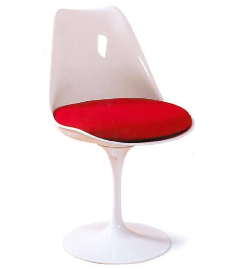 鬱金香椅。