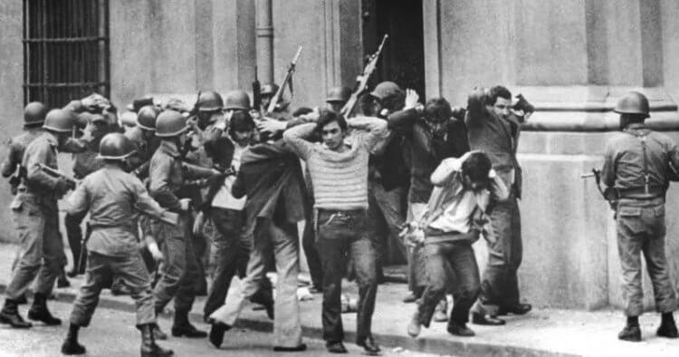 在中美洲危機下,為剷除共產主義與蘇聯的影響,美國展開「兀鷹行動」