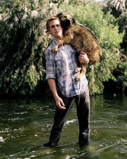 雷恩葛斯林與他的愛犬喬治。